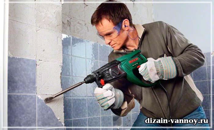 как отбить плитку в ванной