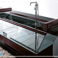 Стеклянная прозрачная ванна