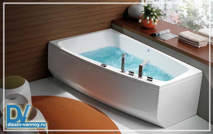 ванна угловая асимметричная чугунная
