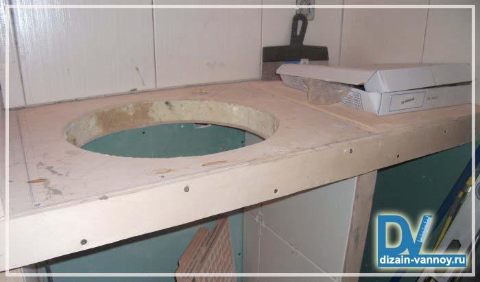 столешница из плитки в ванной