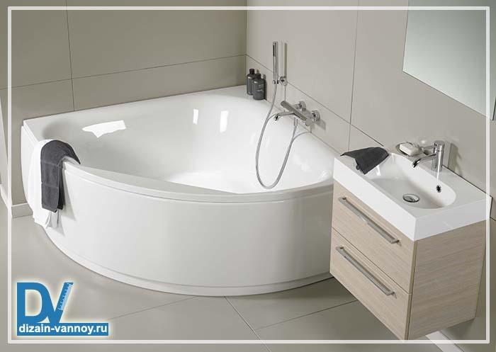 асимметричная стальная ванна