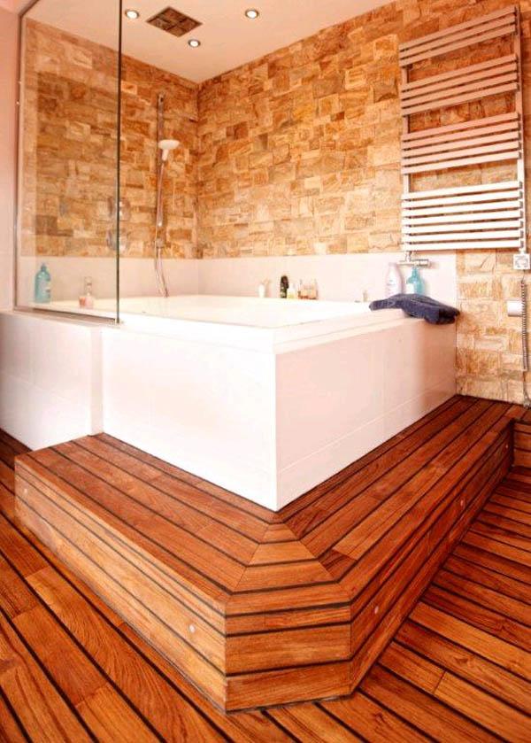 дерево на полу в ванной комнате