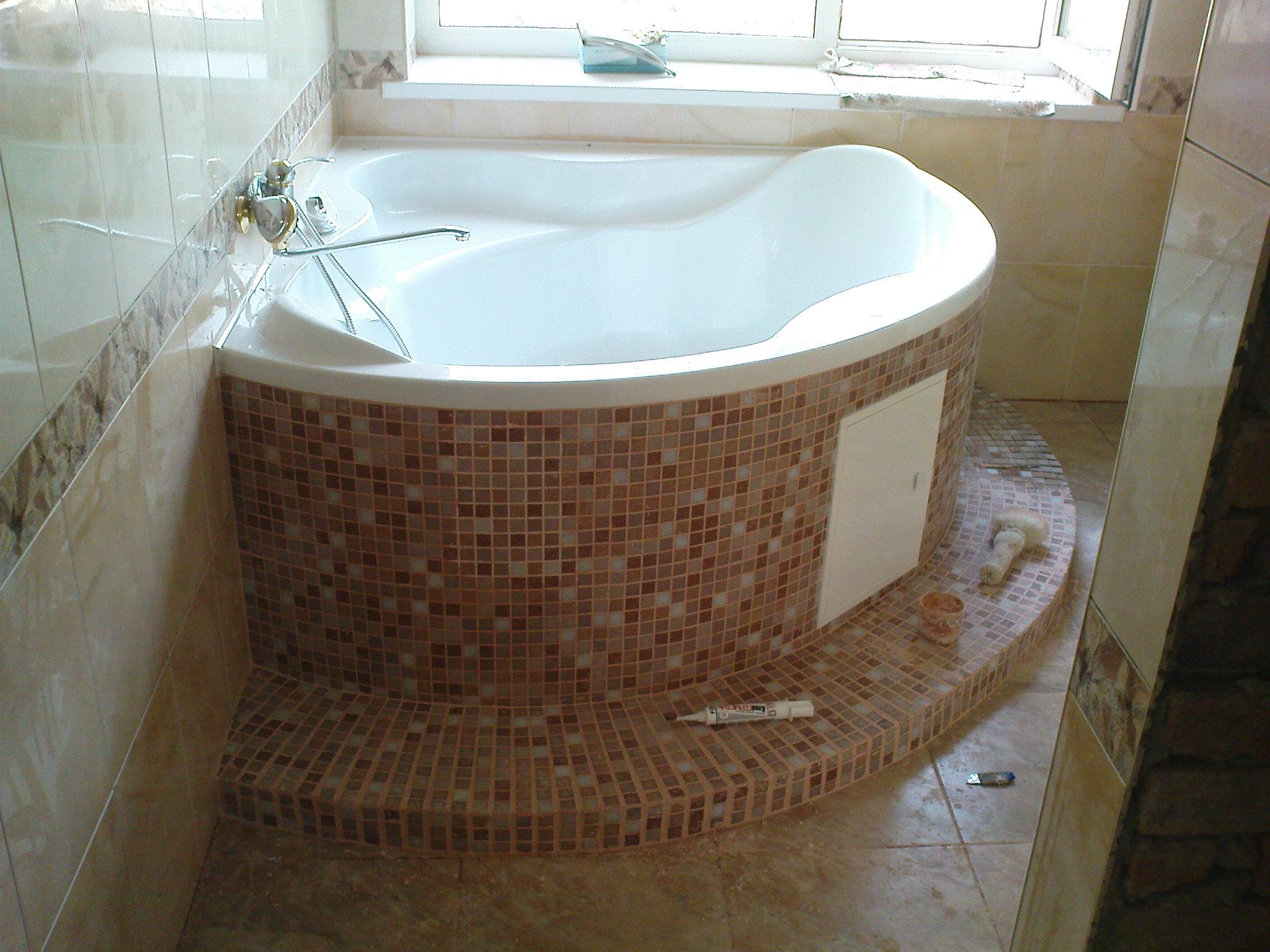 комбинированная плитка в ванной фото
