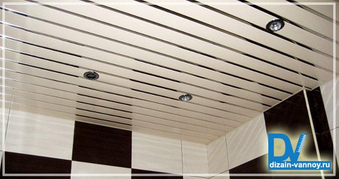 какой потолок делать в ванной