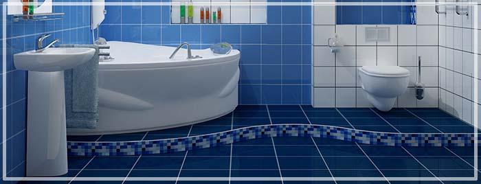 синий пол в ванной