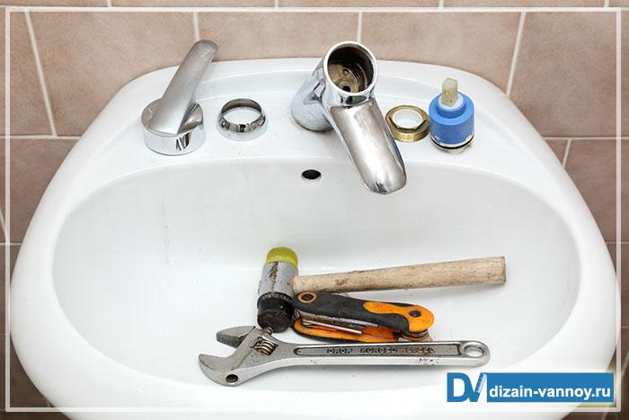 замена смесителя в ванной