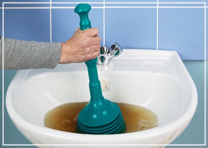 почему в ванной пахнет канализацией